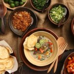 Percaya atau tidak ternyata makanan khas Indonesia banyak yang berasal dari luar negeri lo. Siapa sangka bila ternyata makanan ini juga masih bisa dinikmati oleh lidah masyarakat Indonesia. Penasaran? Nah berikut beberapa rekomendasi makanan khas Indonesia yang berasal dari luar negeri.