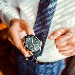 ガガミラノの腕時計は、単なる機械式時計というだけでなくデザイン性も高いため、男性へのプレゼントとして大変喜ばれます。今回ご紹介する腕時計の数々は、ガガミラノを代表するモデルや特に男性から支持を得ている人気のモデルばかりです。合わせて人気の理由や価格の相場などもご紹介いたしますので、ぜひ参考にしてください。