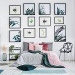 Ingin tampilan kamar yang tak membosankan? Kamu bisa lho menghias kamarmu dengan beragam jenis hiasan dinding unik yang bisa kamu beli atau buat sendiri di rumah dengan memanfaatkan barang bekas. Cek rekomendasinya di bawah ini, ya!