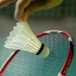 Badminton atau bulu tangkis tidak akan terlepas dari peralatannya yang terdiri dari raket dan shuttlecock. Orang indonesia lebih akrab menyebut shuttlecock ini dengan kata kok. Nah, sebelum main badminton mending cek dulu deh apakah shuttlecock kamu sudah oke? Kalau belum, yuk simak dulu informasi dari BP-Guide tentang shuttlecock!