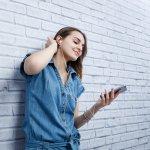 Mendengarkan musik akan lebih asyik dan privat saat menggunakan earphone. Sayangnya, tidak semua earphone berkualitas bagus sehingga terkadang kita harus beberapa kali membeli earphone karena mudah rusak. Makanya, kali ini BP-Guide punya rekomendasi earphone terbaik untuk kamu. Yuk, langsung cek aja!