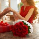 夫婦にとって大切な結婚記念日は、毎年ちゃんとお祝いしたいですよね。しかし、どんなプレゼントを贈れば喜んでもらえるのか、わからないという人も多いのではないでしょうか。  そこで今回は、結婚記念日に贈りたい、本当に喜ばれる奥さんへのプレゼント30選をお届けします。選び方のポイントなども交えてご紹介しますので、参考にしてみてください。