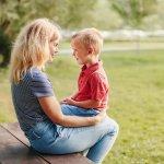 ज्यादातर माता पिता अपने बच्चे की सेहत को लेकर चिंता में रहते हैं,क्यूंकि उनको सेहतमंद रखना सबसे ज़रूरी और प्राथमिक कार्य होता है। माता पिता के लिए यह जरूरी हो जाता है कि वह अपने बच्चे की आदतों पर नज़र बनाएं रखें। बच्चों को स्वस्थ आदतें सिखानी चाहिए क्योंकि इससे उन्हें स्वस्थ रहने में मदद मिलेगी। अच्छी आदतों से आपके बच्चे घातक बीमारियों से दूर रहेंगे। आखिरकार बच्चे ही देश का भविष्य होते हैं।इस विषय पर विस्तरित जानकारी लेख में दी गयी है,अवश्य पढ़ें।