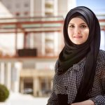 Sebagai muslimah, mengenakan pakaian yang syar'i sangat dianjurkan. Meski demikian, kamu tetap bisa lho tampil gaya dengan busana syar'i. Mau tahu caranya? Simak tips dan rekomendasi pakaian syar'i yang sudah BP-Guide siapkan berikut ini!