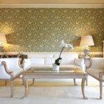 Ruangan kamar atau ruangan lainnya bisa menjadi tampak lebih indah dan tidak monoton dengan cat yang indah dan penataan interior yang baik. Nah, selain dengan cat, ada lagi cara lain untuk memperindah dinding ruangan yakni menggunakan wallpaper yang keren dan tepat.