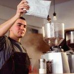 Pagi Anda belum lengkap tanpa minum kopi. Maka dari itu pastikan untuk memiliki mesin grinder kopi. Anda bisa pilih yang otomatis supaya lebih mudah dan cepat dioperasikan. Alat yang satu ini bikin Anda lebih hemat waktu untuk membuat kopi yang segar. Intip rekomendasinya segera dari kami!