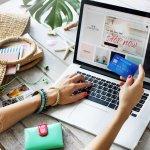 Menggeluti bisnis online shop tentu punya banyak keuntungan. Kalau kamu juga memiliki toko online, kamu bisa coba pasarkan beberapa item produk berikut yang sedang tren saat ini dan banyak digemari!