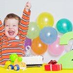 Bài viết là gợi ý những tranh xếp hình đồ chơi phù hợp cho bé học tập và phát triển trí não. Mỗi bộ tranh xếp hình sẽ giúp bé mở mang một bầu trời kiến thức mới như : loài vật, cây cối, đồ vật, nhà cửa,... rất phù hợp để làm quà tặng sinh nhật cho các bé ở độ tuổi lên 2.
