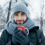 寒い季節には欠かせない手袋は、しっかり防寒できるものの中にも、20代男性にぴったりのおしゃれなデザインが豊富に登場しています。今回は、webアンケート調査などを元に厳選したメンズ手袋をご紹介!人気ブランドランキングの中からお気に入りをぜひ見つけてください。手袋にこだわって秋冬のおしゃれを完成させましょう。