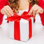 女性(女友達、同僚、上司)に喜ばれる【2019年最新版】予算2000円の誕生日プレゼントをランキング形式でご紹介いたします。予算2000円で誕生日プレゼントを贈る際の失敗しない選び方、人気のプレゼントランキング、誕生日メッセージの文例まで徹底的に解説します。相手の女性に喜んでもらえるよう、ここで予算2000円の誕生日プレゼント選びのポイントを押さえましょう。