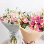 大切な方の誕生日やお世話になった方の送別会で、おしゃれな花束を贈りませんか?今回は、2021年最新情報として1000円程でもボリュームのある、素敵な花束をご紹介します。F Styleの1日30個限定の「バラのミニブーケ」や、soupの「可憐なすずらんのアートフラワーのミニブーケ」など、テイストも素材もバラエティに富んでいます。