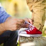 Meski letaknya di bawah, sepatu memiliki fungsi dan pengaruh yang sangat besar terhadap tampilan, loh. Jadinya, jangan sembarangan memilih sepatu. Apalagi untuk anak. Berikut ini, BP-Guide akan mengulas dan memberikan rekomendasi sepatu anak terbaik yang bisa jadi pilihan jitu bagi anak Anda.