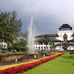 Bandung memang gudangnya wisata menarik. Tapi kalau kamu sedang mager saat liburan, kamu bisa staycation aja. Ada banyak hotel menarik untuk staycation di Bandung, loh. Berikut rekomendasinya dari BP-Guide!