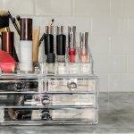 Koleksi Makeup Lebih Tertata dengan 10 Rekomendasi Rak Kosmetik Ini (2020)