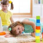 心と体がどんどん発達していく年頃である4歳の誕生日プレゼントには、子供の成長に役立つものを贈りましょう。今回は、【2021年最新情報】として4歳の誕生日プレゼントに人気の知育玩具をまとめました。パズルやドミノなど、遊びを通して子供の成長・発達を促す知育玩具が満載ですので、ぜひ参考にしてください。