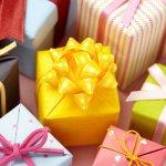 大学生の彼女に人気の誕生日プレゼント10選!ペアリングのおすすめや予算相場、喜ばれるメッセージ文例も紹介
