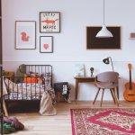 Theo nghiên cứu, cuộc đời mỗi con người dùng 1/3 thời gian để ngủ. Chính vì vậy, chất lượng giấc ngủ cũng như không gian phòng ngủ đóng vai trò vô cùng quan trọng trong đời sống. Nếu bạn vẫn đang băn khoăn về cách bố trí phòng ngủ thì hãy tham khảo ngay 10 món đồ trang trí phòng ngủ vintage ấm áp cho ngôi nhà bạn (năm 2021) dưới đây nhé!