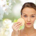 Memiliki kulit wajah yang cerah dan lembut adalah keinginan setiap wanita. Namun, seiring bertambahnya usia, Anda dapat melakukan perawatan wajah dengan cara eksfoliasi kulit agar kulit terbebas dari kotoran dan tentunya bertambah cerah. Ada rekomendasi apa saja? Yuk, langsung cek rekomendasinya!