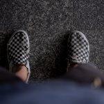 Sepatu Vans jadi pilihan banyak pria untuk tampil keren. Tidak salah memang karena sepatu Vans bisa memberi rasa percaya diri tinggi pada pemakainya. Yuk, buruan lirik rekomendasinya dari kami!