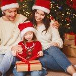 Giáng Sinh là dịp để bố mẹ thể hiện tình yêu thương đến con cái nhiều hơn bằng những món quà thiết thực. Một món quà phù hợp đúng ý thích của con sẽ giúp bé vui vẻ hạnh phúc đồng thời nỗ lực nhiều hơn trong học tập. Bài viết dưới đây sẽ giúp bạn có 10 gợi ý mua quà Giáng Sinh thiết thực cho con (năm 2020), cùng tham khảo để chọn được món quà ưng ý nhất cho con mình nhé.