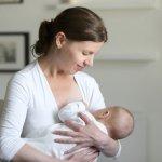 Memilih baju menyusui tentu penting dilakukan agar ibu tetap nyaman saat beraktivitas terutama saat menyusui bayi. Yuk simak tips memilih dan rekomendasi baju menyusui yang cantik dan nyaman dikenakan berikut ini!