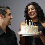 Sebentar lagi pacar kamu berulang tahun? Tentunya kamu sedang heboh mempersiapkan kue ulang tahun untuk pacar yang sangat istimewa. Atau sedang kehabisan ide, mau menyiapkan kue apa untuk doi? Tidak perlu bingung, BP-Guide akan membantu kamu. Yuk intip ulasan mengenai beberapa kue ulang tahun yang bisa jadi inspirasi kamu!