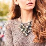 Wanita mana yang tak suka dengan perhiasan yang satu ini? Ya, kalung yang sudah dikenal sejak zaman purba memang lekat dengan para wanita hingga kini. Saat ini kamu bisa memilih beragam jenis dan model kalung di pasaran seperti yang BP-Guide rangkum berikut ini!