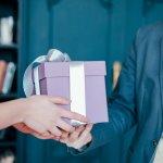 男友達や男性の同僚、上司に喜ばれる、予算4000円で購入できる人気の誕生日プレゼントについてランキング形式でご紹介します。おしゃれな小物類は、値段も手頃で貰って嬉しいアイテムでもあるのでおすすめです。ぜひ参考にしてください。