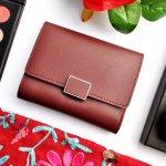 豊富なデザインとカラーがラインナップされているイルビゾンテのレディース財布は、ナチュラルなデザインと使い勝手の良さで人気を集めています。この記事では、イルビゾンテのレディース財布の中でも人気のシリーズを、ランキング形式でわかりやすくご紹介します。選び方のコツやおすすめポイントもあわせて解説していますので、ぜひ参考にしてみてください!