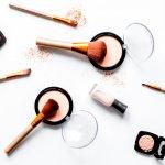 Siapa sih yang tak kenal dengan merek makeup internasional dengan harga terjangkau ini? Yuk tengok beberapa produk Maybelline yang jadi favorit banyak wanita berikut ini!