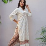 Today kurti market is at sky-high, every woman wants to wear Kurti in their daily life. Kurti with trousers looks extremely modern even in a traditional silhouette. You can instantly upgrade your look from zero to modern, wearing a straight cut pant with Kurti. It is the best outfit choice to put upon if you are not comfortable with the body-hugging leggings or want to try something modern instead of a regular salwar.