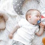 Pastinya, kenyamanan si kecil menjadi hal yang penting bagi orang tua. Maka dari itu Anda pasti akan memilih produk yang bagus dan berkualitas agar si kecil juga senang. Salah satunya dengan memilih bantal bayi yang bisa membuat si kecil nyaman dan menikmati tidurnya. Berikut ini ada rekomendasi bantal bayi yang bagus dan berkualitas baik untuk buah hati Anda.