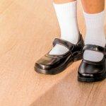 Kaos kaki adalah item wajib yang harus dikenakan oleh anak sekolah. Jika Anda memiliki buah hati yang masih bersekolah, maka Anda perlu menyimak tips memilih kaos kaki dan rekomendasi BP-Guide berikut ini sebelum membelikannya untuk putra putri tersayang.