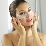 Late-night working or taking care of toddlers can show up on your face the next morning in the form of those dreaded dark under-eye circles.  Fret not, there are a plethora of under eye products, like eye gel and cream for dark circles, to come to your rescue. To ease your shopping experience here is a list of with the widest range of skincare products, all in the comfort of your home.