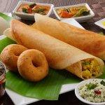 दिन की शुरुआत एक पौष्टिक और स्वस्थ नाश्ते के साथ करनी चाहिए इसलिए यहाँ पेश है दक्षिण भारत से 10 आसान और स्वादिष्ठ नाश्ते की रेसिपी जो मिनटों में तैयार की जा सकती है। अब सुबह नाश्ता नहीं करने का एक कम बहाना!