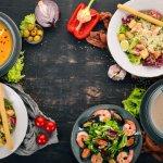 Mencoba ragam kuliner merupakan aktivitas pilihan untuk menghibur penat kala musim hujan. Terlebih bila kita mencicipi hidangan yang dapat menghangatkan tubuh. Sop tentu menjadi makanan yang sering dikonsumsi saat cuaca dingin. Bagi kamu yang ingin menikmati atau bahkan mencoba membuat sop lokal atau mancanegara yang banyak digemari, BP-Guide punya beberapa resepnya.