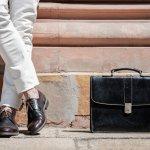 Sepatu memang merupakan salah satu item yang perlu diperhatikan saat berpenampilan. Beragam jenis sepatu dari berbagai bahan bisa ditemukan di pasaran. Bagi para wanita yang lebih banyak mengoleksi sepatu bisa mencoba sepatu berbahan kulit sintetis. Berbagai merek sepatu juga selalu mengeluarkan sepatu dari bahan kulit sintetis dengan model yang modis.