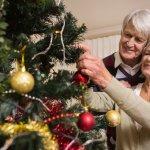 両親に贈る2018年最新版人気のクリスマスプレゼントをランキング形式でご紹介します。  両親に贈る平均的なクリスマスプレゼントの相場や選び方、人気高いプレゼント、クリスマスカードのメッセージ文例を徹底解説します。  両親に喜んでもらえるクリスマスプレゼントを渡せるよう、是非参考にしてください。
