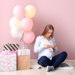 Not sure what to gift an expectant mother? Here's an article that will help you with just that. With 10 very thoughtful and useful gift recommendations, this article is all you need. Go through the tips to find gifts that the mom-to-be will appreciate.