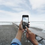 Bukan hanya mesin smartphone saja yang performanya semakin gahar, kualitas kameranya pun semakin canggih bahkan menyaingi kamera DSLR. Nah, kamu penyuka fotografi atau selfie tapi nggak mau ribet karena harus membawa DSLR? Yuk, langsung simak yang berikut!