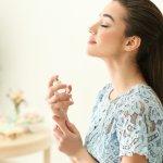 Ada banyak pilihan untuk membeli parfum di counter tapi kadang terbersit keinginan untuk membuat sendiri. Kamu bisa memilih wangi apa yang ingin ditonjolkan dan mencerminkan kamu banget. BP-Guide akan membantu kamu membuat parfum sendiri dengan mengulasnya di artikel ini.