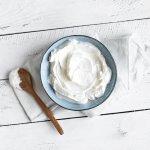 10 Rekomendasi Yoghurt Plain yang Enak dan Menyehatkan untuk Tubuh (2021)