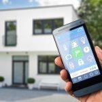 Gaya hidup modern masa kini menawarkan berbagai kepraktisan dan kemudahan yang membuat Anda dan keluarga semakin nyaman di rumah. Untuk menerapkannya Anda membutuhkan berbagai perangkat smart home di rumah. Apa saja perangkat smart home dan bagaimana cara kerjanya? Simak infonya lebih lanjut, ya!