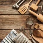 Memasak adalah kegiatan rutin yang dilakukan pada beberapa rumah tangga. Namun jaman sekarang dituntut serba cepat kadang tidak sempat untuk masak dan akhirnya membeli makanan di luar. Tapi bagi Anda yang hobi masak namun ingin segalanya serba cepat dan praktis, berikut BP-Guide akan memberi Anda rekomendasi peralatan dapur yang unik dan kreatif. Check it out!