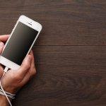 Niat awalnya hanya ingin mengecek pesan yang masuk ke smartphone. Ujung-ujungnya malah asyik melihat media sosial, main game, dan lain sebagainya. Tak mengherankan jika kebiasaan ini malah menimbulkan kecanduan. Ada banyak efek negatif dari kecanduan gadget, loh! Nah, buat kamu yang ingin bebas dari kecanduan gadget, utamanya smartphone, yuk intip tips dari BP-Guide!