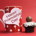 Forgot to Buy a Gift Yet Again and Wondering Friendship Day Par Kya Gift De? Make Friends Feel Special with This Guide to the Best Friendship Day Gifts in 2020