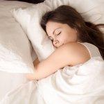 Tidur berkualitas bisa dibantu dengan kasur yang empuk, bantal yang nyaman, atau selimut yang hangat. Baju tidur juga turut memegang peranan mendapatkan tidur yang berkualitas. Berikut BP-Guide memberikan rekomendasi baju tidur nyaman dan modis untuk para wanita.