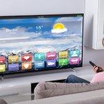 TV adalah hiburan yang menyenangkan di rumah. Dengan adanya TV kita jadi bisa mendapatkan informasi dan hiburan kapan pun kita butuhkan. Produk TV dari LG wajib kamu lirik sebagai pilihan. Ini karena produk TV LG punya banyak kelebihan. Mulai dari desainnya yang kekinian, teknologi yang mumpuni, kecanggihan layar, dan juga audio yang memuaskan. Nah, simak rekomendasi TV LG dari kami!
