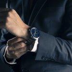Jam tangan bukan hanya sekadar membantu kamu melihat waktu. Tapi juga aksesori yang mampu membuatmu terlihat berkelas dan keren. Ada banyak pilihan jam tangan yang ngetren. Tapi bagaimana cara memilih jam tangan yang tepat?