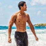 Anda sedang mencari celana yang santai tapi masih tetap gaya saat berada di pantai? Tidak perlu jauh-jauh mencari, BP Guide punya rekomendasi celana santai bergaya hawaii untuk Anda. Cocok juga jika dipakai untuk sehari-hari.